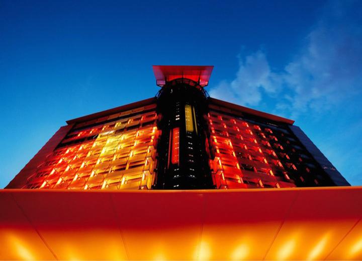 Hotel silken puerta am rica madrid retail design blog - Puerta america madrid ...