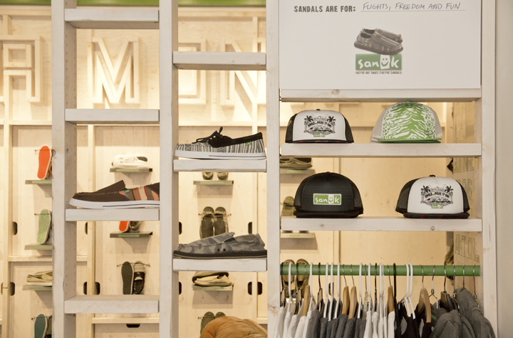 Sanuk Partnered With Crack Experience, A Part Of Matthews Brand Solutions,  To Help Bring Their Brand To Life At Santa Monicau0027s Third Street Promenade.