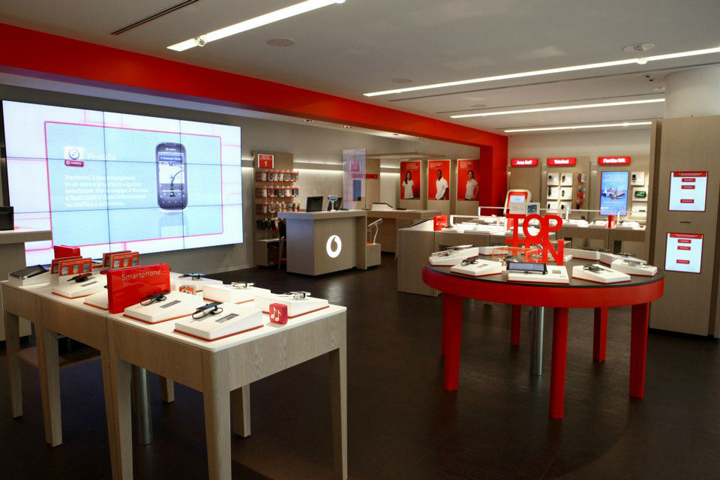 Vodafone concept store by iarchitects italy retail for Oficinas vodafone madrid