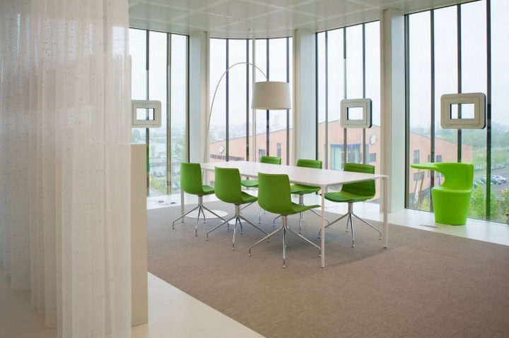 Cjib offices by team 4 architecten leeuwarden for Design office environment