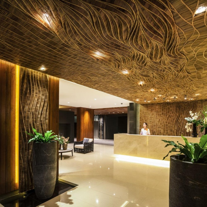 Kc grande resort spa by foundry of space trad for Hotel spa design