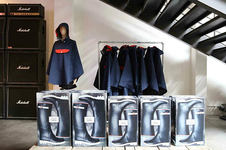 Retail projects: TOP 7 Retail Window Dispays Kitsune x Aigle wall Paris