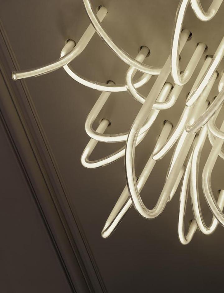 les cordes chandelier by mathieu lehanneur retail design blog. Black Bedroom Furniture Sets. Home Design Ideas