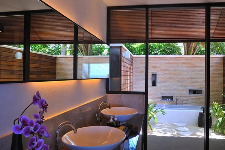 Lily beach resort spa maldives retail design blog for Design hotel spa