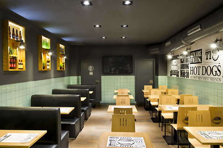 Frankfurt station fast food restaurant by egue y seta for Fast food decoration