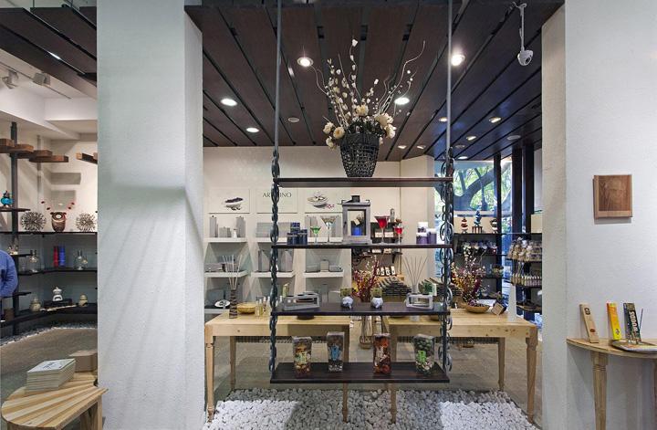 IRIS store byBangalore  India » Retail Design Blog
