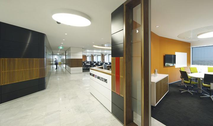 King Wood Mallesons office by HBO EMTB Brisbane Australia 02 ...