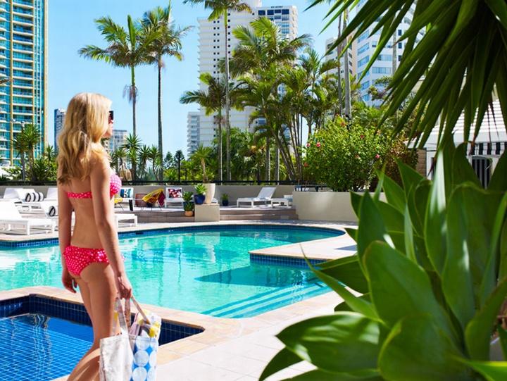 Qt gold coast hotel sydney retail design blog for Pool design gold coast