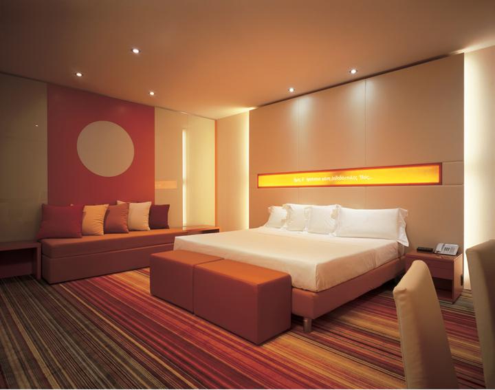 Una hotel by studio marco piva bologna italy retail for Design hotel bologna