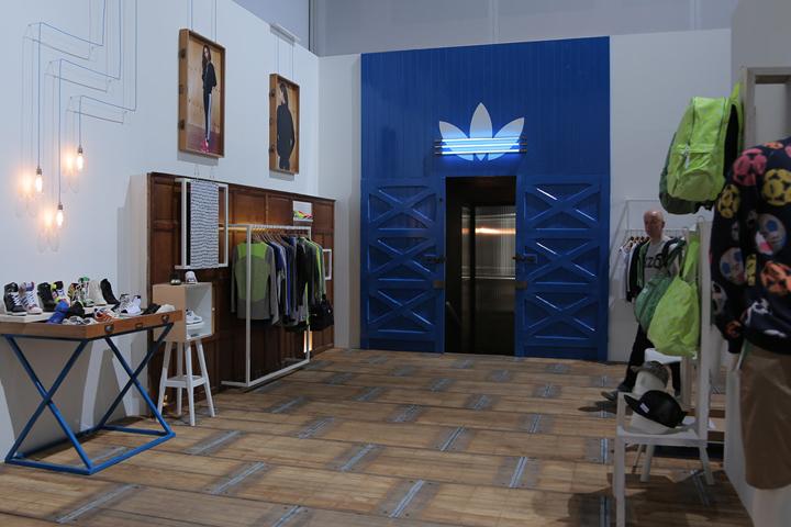 adidas store amsterdam online dating