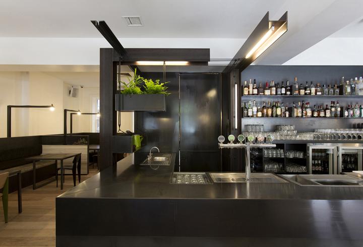 Captain melville restaurant by breathe architecture