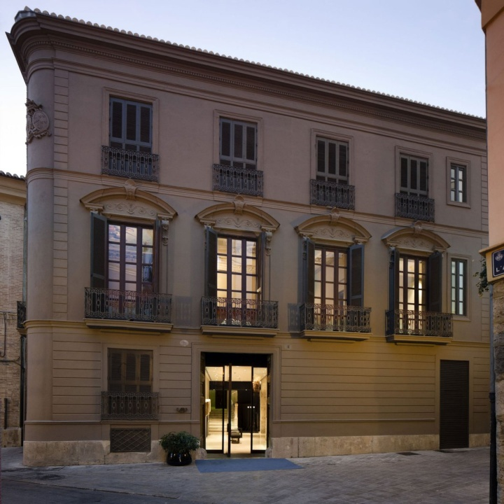 Rustic hotels caro hotel by francesc rif studio for Top design hotels valencia