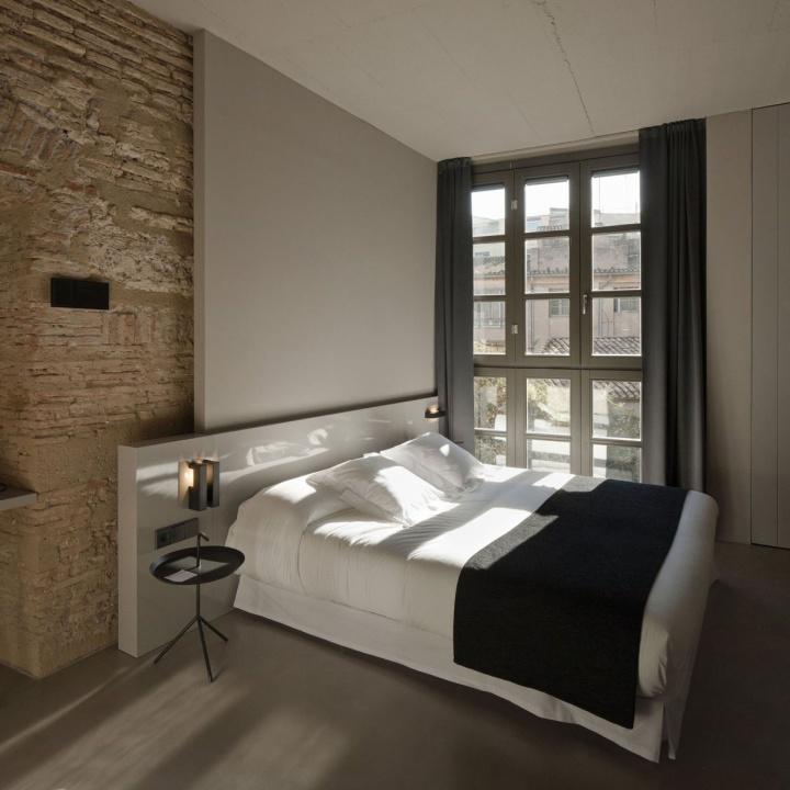 Rustic hotels caro hotel by francesc rif studio for Design hotel valentin solden
