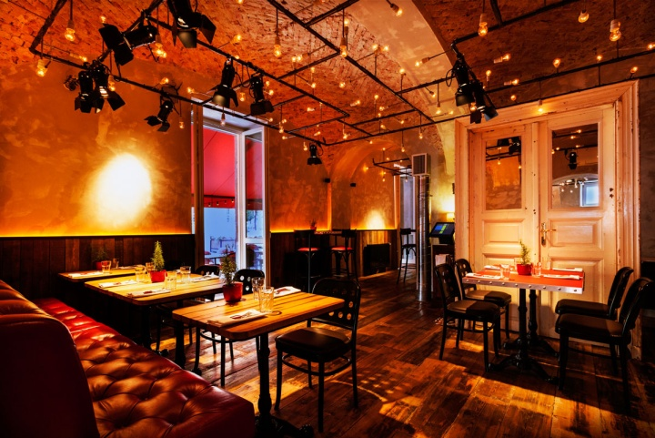 Hotel baltaz r grill winebar winestore budapest for Top design hotels budapest