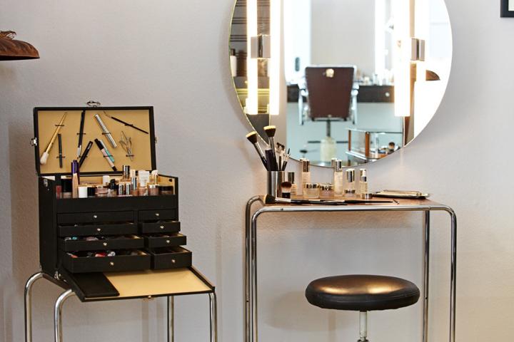 makeup studio designs mugeek vidalondon. Black Bedroom Furniture Sets. Home Design Ideas