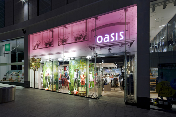 oasis store at trinity centre by dalziel and pow leeds uk