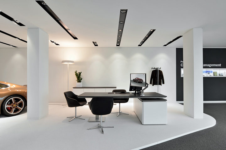 Porsche showroom by The Store Designers®