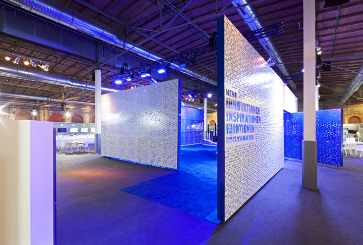 Samsung roadshow by dalziel and pow germany retail for Office design expo