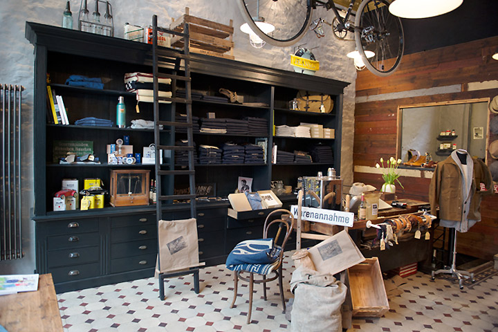 Vater sohn store hamburg germany for Interior designer hamburg