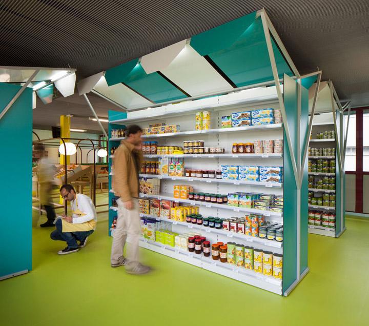 Mini m grocery shop by matali crasset praline toulouse for Mini market interior design ideas