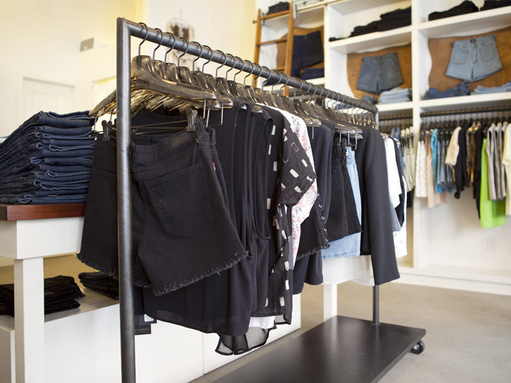 Http://ny .racked.com/archives/2013/05/15/tour_courtshops_new_mott_street_store.php