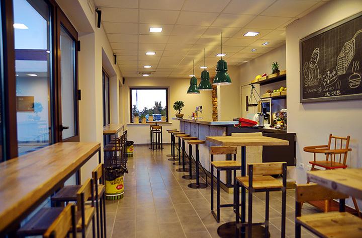 Italian burger by sestini corti perugia italy retail - Interior design perugia ...
