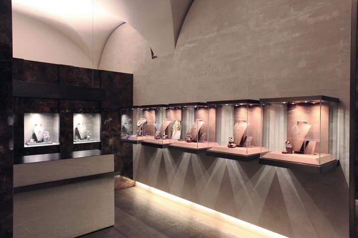 Rosa Jewellery by Puntidifuga Mondov Italy Retail Design Blog