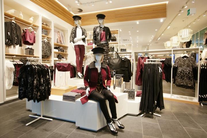 9cd9dbb1 Vero Moda Flagship Store at Alexa Mall by Riis Retail, Berlin