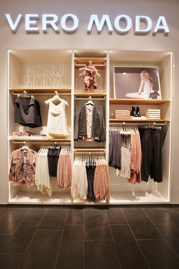 Shop Berlin vero moda flagship store at mall by riis retail berlin retail design