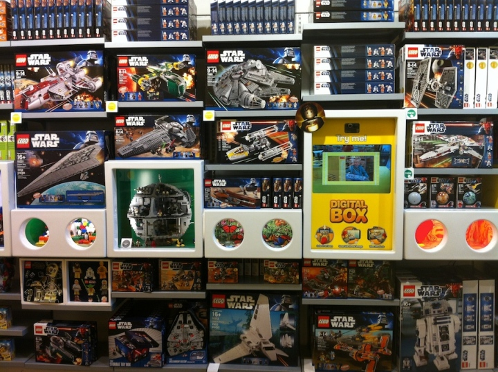 TOY STORES! LEGO store, Delaware