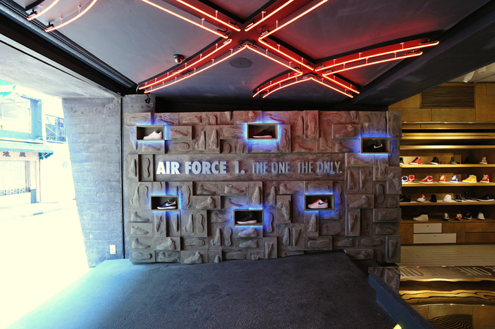 Nike ps7 store air force 1 promotion display by studio arrt
