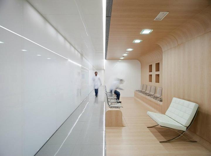 Dental office by estudio arquitectura hago m laga spain - Estudios de arquitectura malaga ...