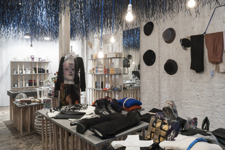 Bat Studio Has Created A Striking Interior For Temporary Designer Retail In The Heart Of London S Covent Garden Working To Limited Budget
