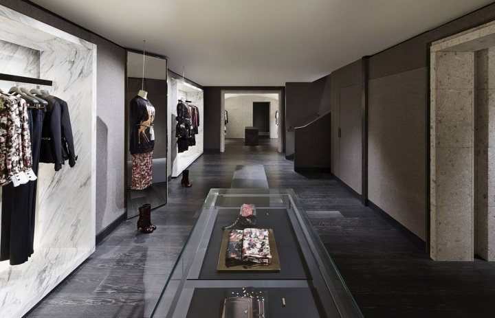 Givenchy store at avenue montaigne paris france - Office tourisme italien a paris ...