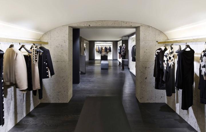 187 Givenchy Store At Avenue Montaigne Paris France