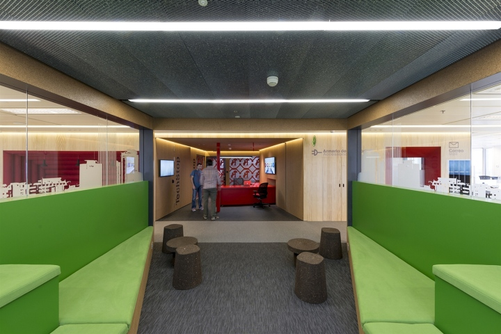 Google headquarters by jump studios madrid spain - Nike espana oficinas ...