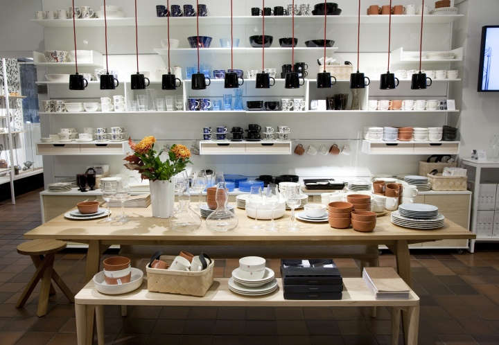 Iittala flagship store by pentagon design helsinki for Scandinavian design shop