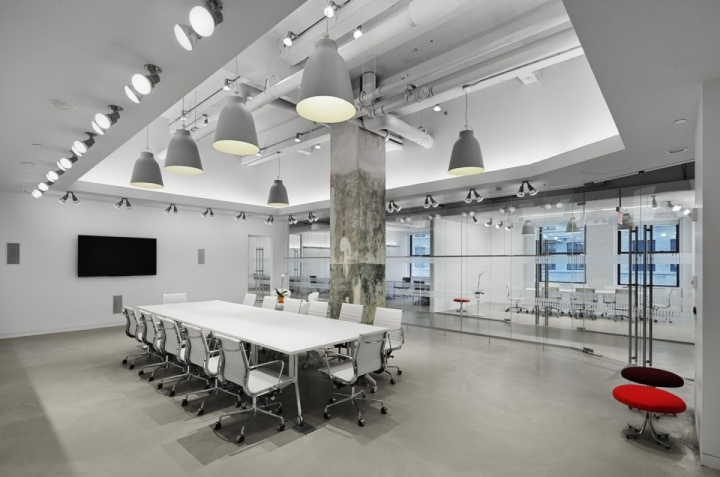 Lf usa offices by spacesmith new york city retail for Office design usa