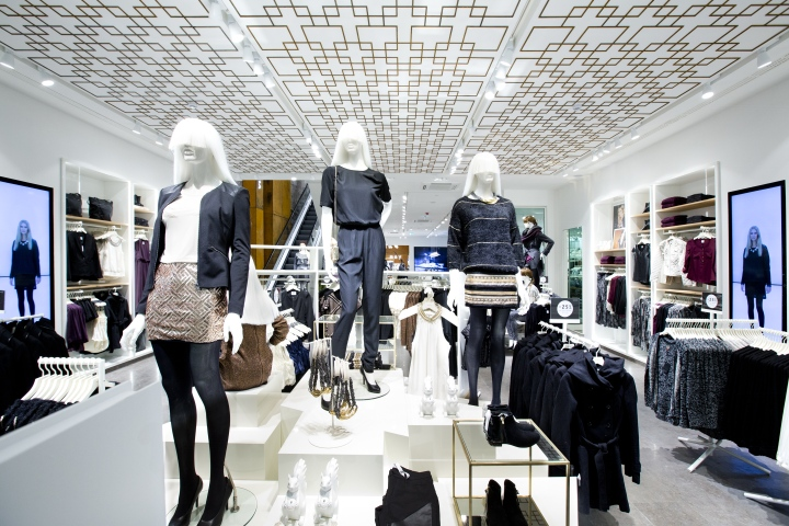 innovative design 906c7 20064 Vero Moda Flagship Store at Königstrasse by Riis-Retail ...
