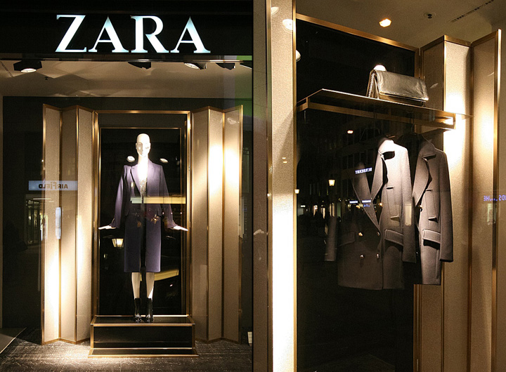 zara windows 2013 autumn munich germany retail design. Black Bedroom Furniture Sets. Home Design Ideas