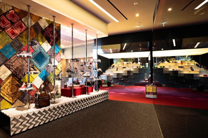 Christian Louboutin flagship boutique by Luxur Cobbler   212box, Tokyo 6d6cfa7ec463