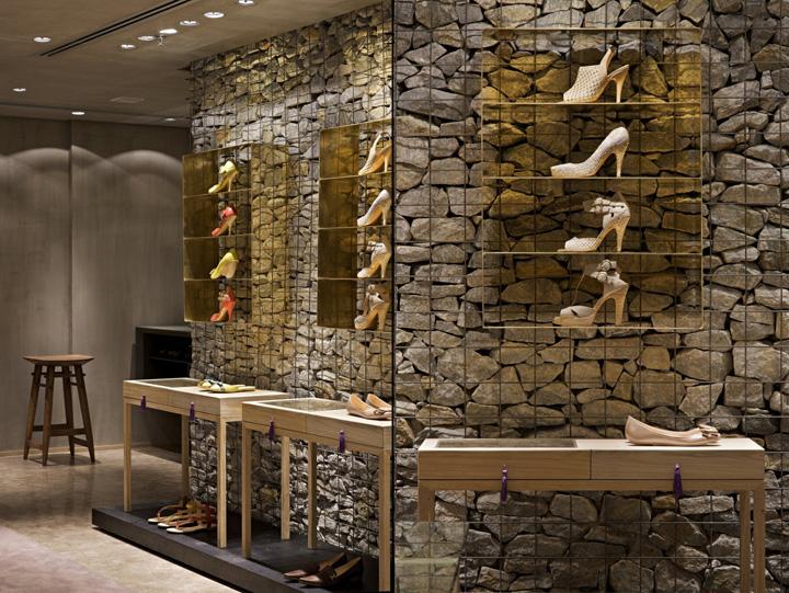 187 Luiza Barcelos Shoe Store By Pedro Lazaro Belo