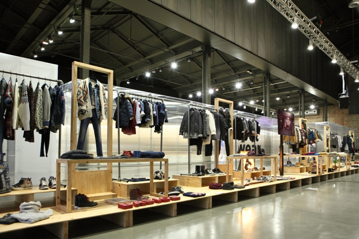 Exhibition Booth London : Pepe jeans london line opening exhibition by pelonio