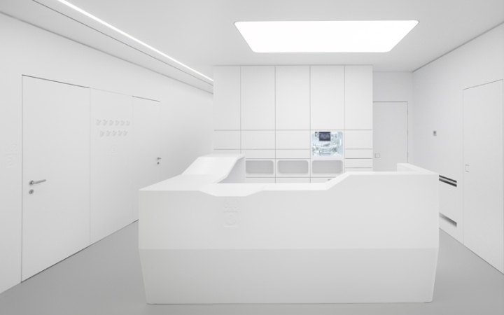White space orthodontic clinic by bureauhub architecture catania