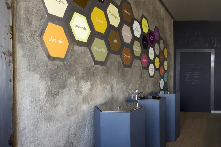 Itais ice cream shop by mas studio brescia italy for Studio interior design brescia