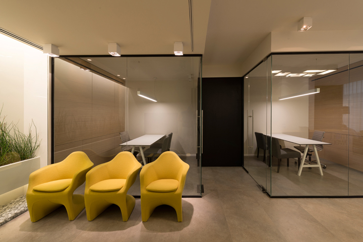 Israel retail design blog for Sales office design