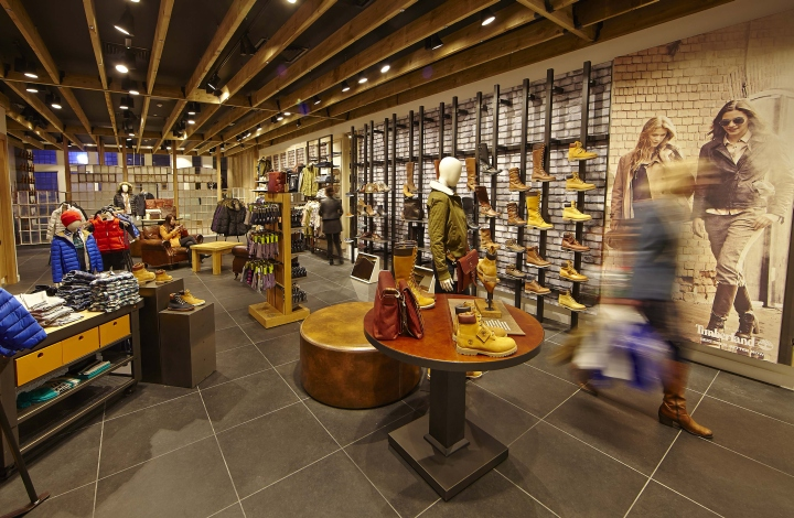 Timberland flagship store by green room glasgow uk for Retail store exterior design