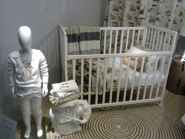 zara home windows jakarta indonesia retail design blog. Black Bedroom Furniture Sets. Home Design Ideas