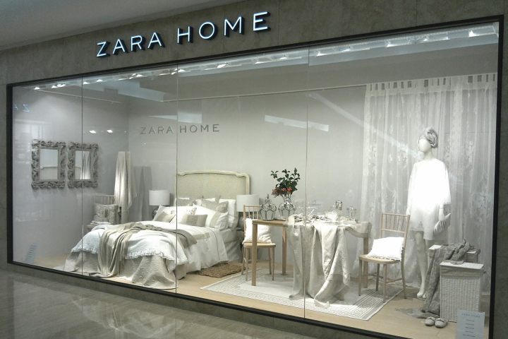 Zara retail design blog for Show window designs
