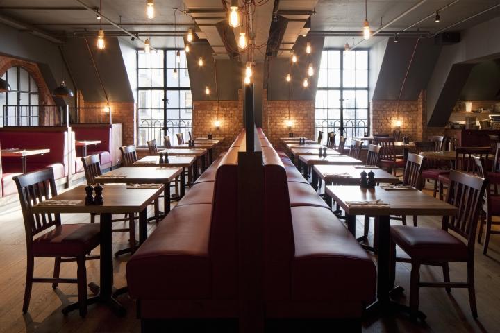 Burger lobster restaurant at harvey nichols by designlsm for Interior companies london